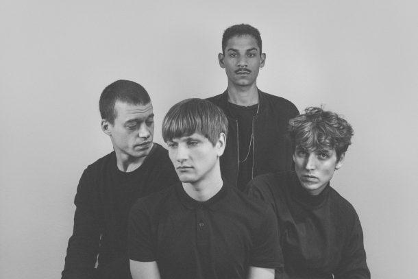 Vier männliche Bandmitglieder